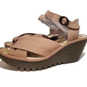 Concrete beige fly London leather sandals wedges